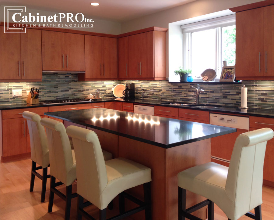 Kitchen And Bath Remodeling Custom Cabinets And Cabinet Refacing In Chicago And Suburbs